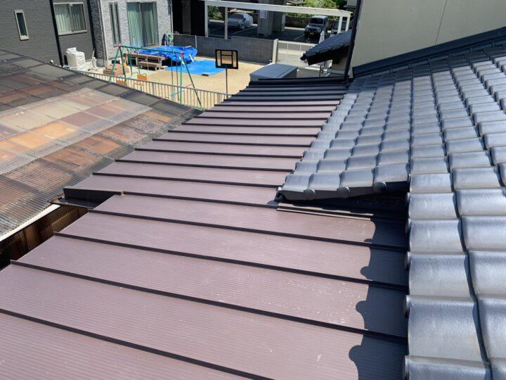 ガルバリウム鋼板屋根材施工